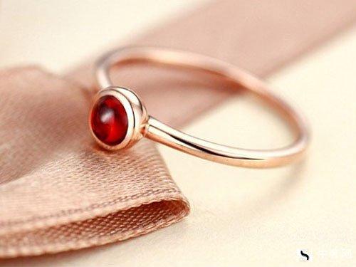 上海周大生钻石戒指回收