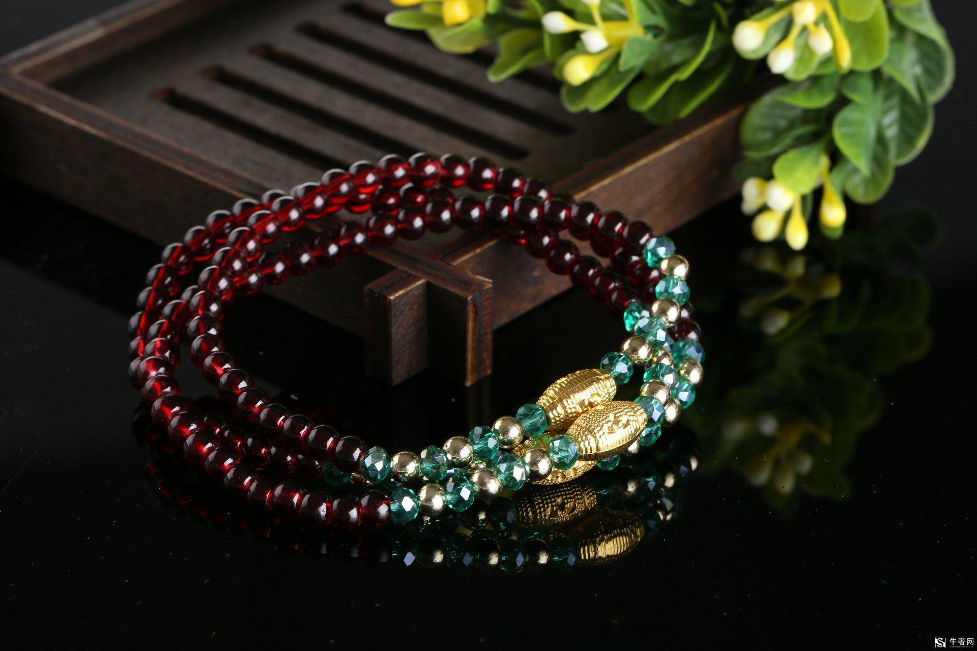 石榴石珠宝回收