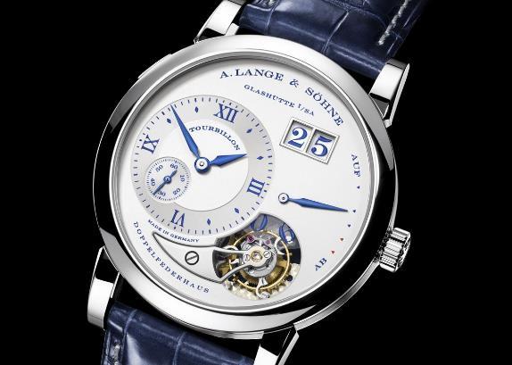 上海朗格手表回收几折,LANGE 1 有哪些新改良?